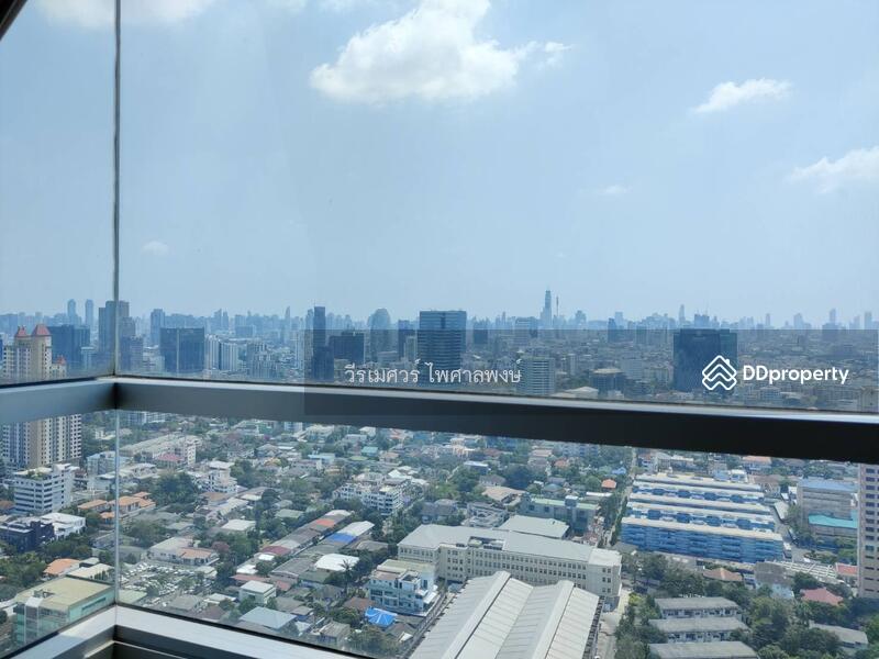 ขายคอนโด INTRO ประดิพัทธ์ (Top floor, วิวเมืองสูงสง่างาม) ห้องขนาดใหญ่ กว้าง 92.5 ตร.ม. 2 นอน 2 น้ำ