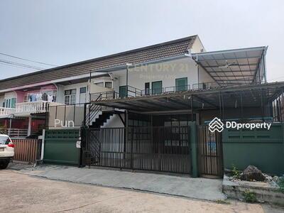 ให้เช่า - ปล่อยเช่าทาวน์เฮาส์หมู่บ้านอยู่เจริญ ซอยรัชดา 18 โซนห้วยขวาง ใกล้รถไฟฟ้า MRT สุทธิสาร/50-TH-64027