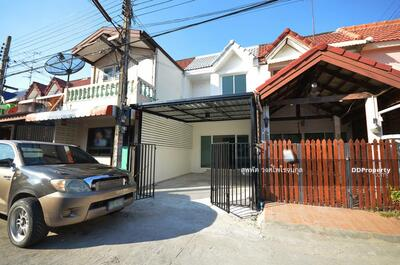 For Sale - Townhome for sale 2 beds 2 baths 1 parking good condition, renovated house Suanthip Village Nuan Chan near main road Tel. 061-565-5192