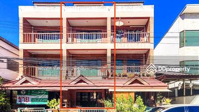 ขาย - ขาย ทาวน์ เฮ้าส์ สันติธรรม ทาวน์โอม ต่ำกว่าราคาประเมิน  6 ห้องนอน 3 ชั้น
