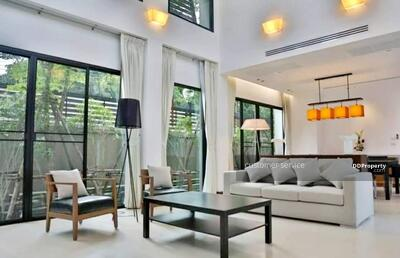 For Rent - CRP-S9-HH-640016 Single House at Thonglor, close to BTS Thonglor, 400 SQM, 4 bedrooms 4 bathrooms, best location in BKK.