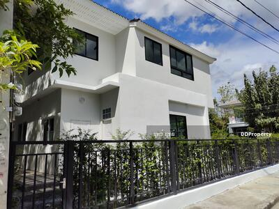 For Sale - ็็HOUSE FOR SALE,  2 STOREYS ,  PERFECT MASTER PIECE,  SOI RAM KUMHANG 174 , 5 BED ROOM, 5 BATH ROOM ,  9. 99 MB , HOUSE IS AT THE CORNER ON THE MAIN ROAD , SALE BY OWNER,  LINE  ID  0884910575