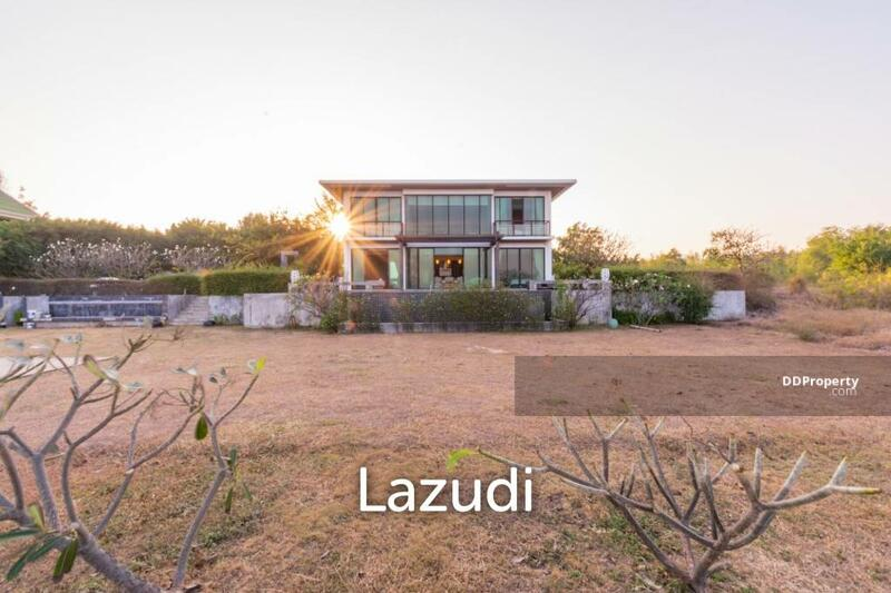 Lazudi Modern 4 Bed Beachfront Pool Villa