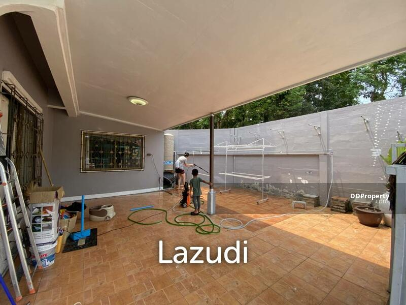 Lazudi 2 bed 116SQM Townhome at Ngarm-Charoen 5