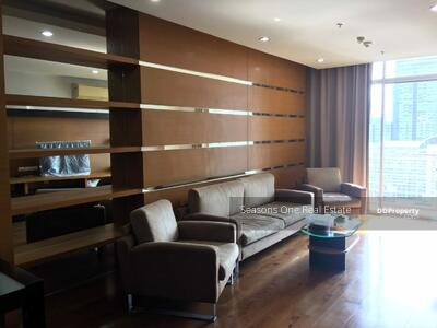 For Sale - Condo 3 bedrooms unit in prime Asok very high floor for sale