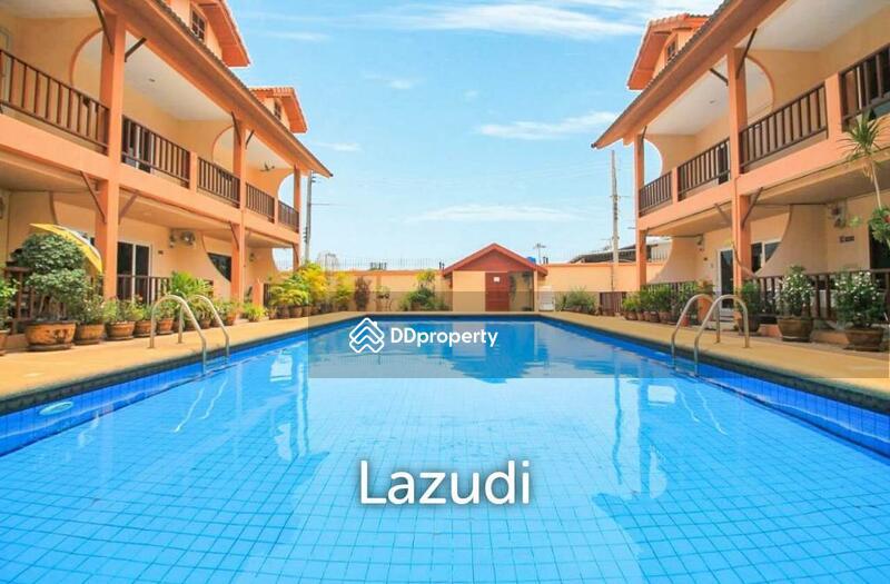 Lazudi Contemporary two storey townhouse at Regal Hope Village 2 - Pratamnak soi 5