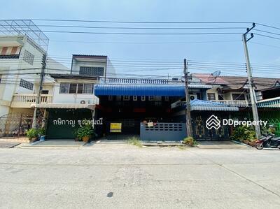 For Sale - ***Discount 500, 000*** Townhouse 2 floors, Nathada Village, Rangsit, Khlong 3