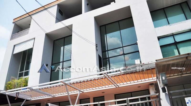 Townhouse 3 Bedroom For Sale BTS Thong Lo in Sukhumvit Bangkok (AA11213) #85074189