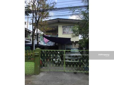 For Sale - Notify the code KRE-X1917 Single house in Pak Nam Soi Boonsiri 14, 2 bedrooms, 1 bathroom, 40 sq. w. , 2 floors, sold 2, 300, 000 baht. **** If not answered, please add Line 0962215326 Khun Omelet****