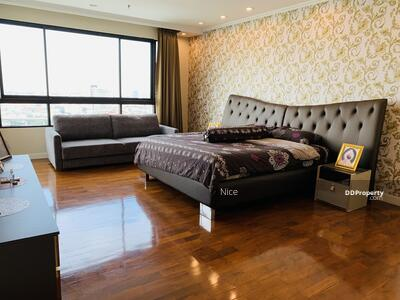 For Sale - Urgent sale, luxury penthouse, Supalai Condo, Casa Riva, Rama 3, 5 bedrooms, 6 bathrooms, fully furnished.