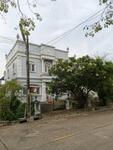 H-343 ขายถูก บ้านพร้อมที่ดิน 90 ตรว. บ้านหัวมุม หมู่บ้านชิชาคันทรีคลับ โซน 1 สามารถเดินถึง ถนนใหญ่ (ถนนพระราม 2)