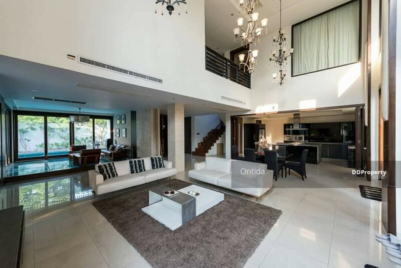 Beautiful property in the middle of Asok #85668661