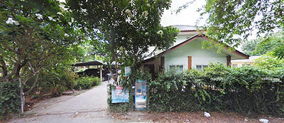 For Rent - AF0598 The two storeys detached house near the city for rent with 35 square wah. 2 Bedrooms and 1 Bathroom.