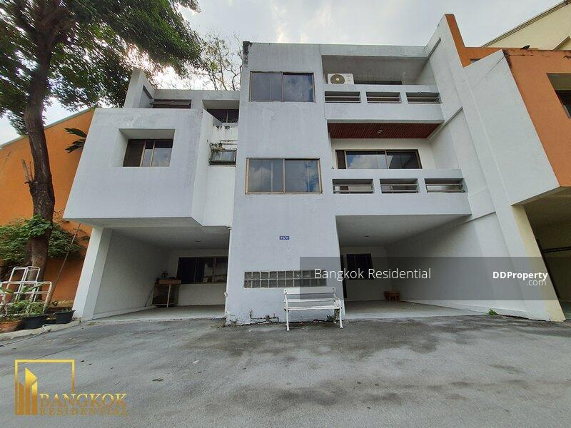 Townhouse in Compound #85904001
