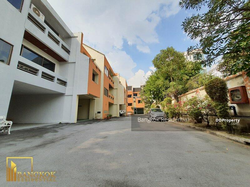 Townhouse in Compound #85904009