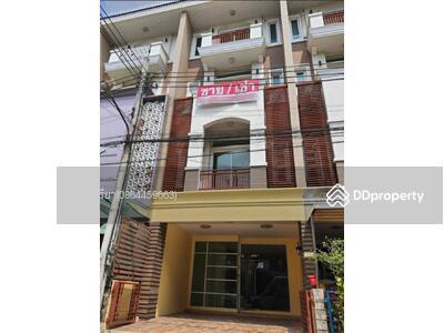 ขาย - K21140564 - ขาย ทาวน์โฮม พรีเมี่ยม เพลส เอกมัย - รามอินทรา ตึก 4 ชั้น ขนาดพื้น 22. 5 ตร. ว. (Sell Premium Place Ekkamai - Ramindra)