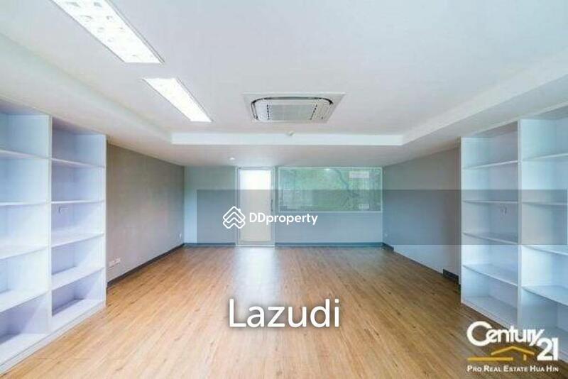 Lazudi Shop House at Rocco Condo