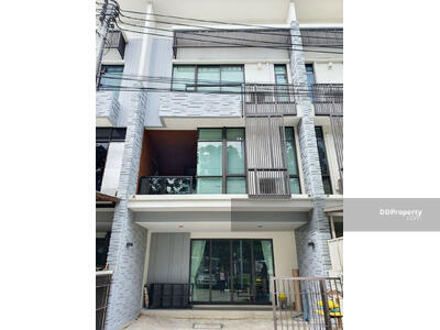 For Rent - 3 bedrooms Townhouse for rent in Bangna [HBKK27985