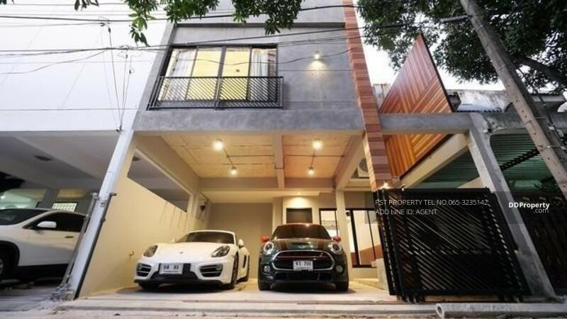 TOWNHOME IN PHROMPHONG #86597609
