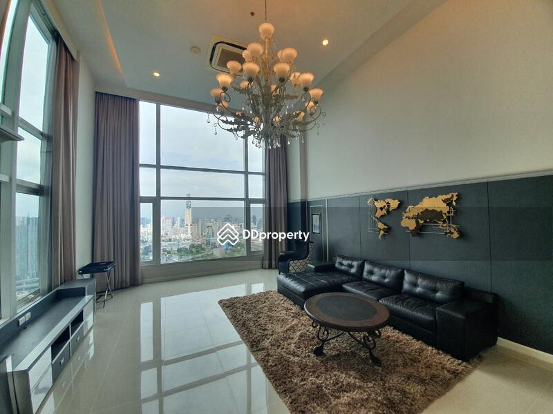 Circle Condominium #86713881