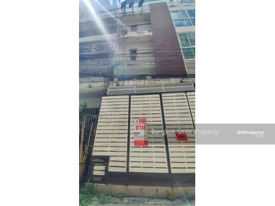 For Sale - 6-storey commercial building for sale, made into a hostel