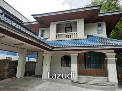For Rent - 2 Storey House 3 Bed 3 Baths