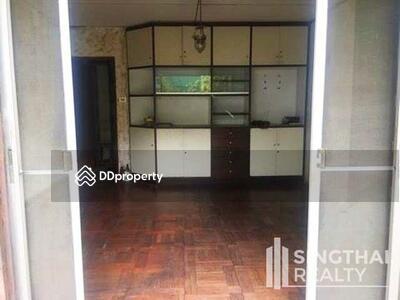 ให้เช่า - For RENT : House Ekkamai / 2 Bedrooms / 2 Bathroomss / 301. 0 sqm / 250000 THB [6565601