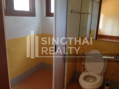 For Rent - For RENT : House Phromphong Phrom Phong / 4 Bedrooms / 5 Bathroomss / 351. 0 sqm / 250000 THB [4354721