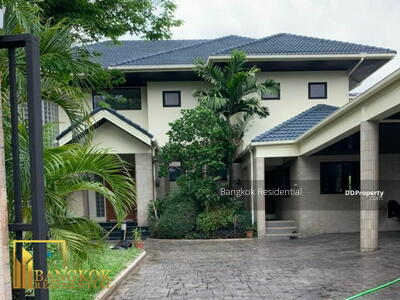 For Rent - 4 Bed Detached House For Rent in Victory Monument BR8238SH