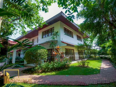For Rent - 3 Bed Single House in Compound For Rent in Bang Na BR27631SH