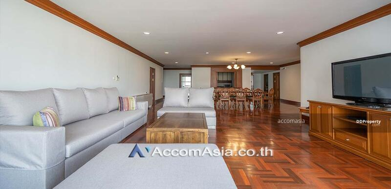 A fusion of contemporary Apartment 4 Bedroom For Rent BTS Phrom Phong in Sukhumvit Bangkok ( 10301 ) #87087969