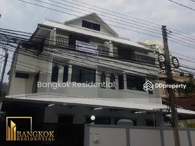 ให้เช่า - 6 Bed Detached House For Rent in Nana BR27717SH