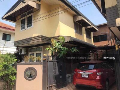 For Sale - Notify the code KRE-X5782 Single house, Samsen Subdistrict, Phayathai District, 2 bedrooms, 1 bathroom, 20 sq. w. 2 floors, sell 7, 500, 000 baht **** If not answered, please add Line 0962215326 Khun Omelet****