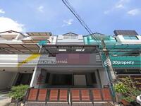 ขาย - 6406-141 ขาย บ้าน ทาวน์อินทาวน์ 5ห้องนอน จอดรถ2คัน พื้นที่กว้าง รีโนเว