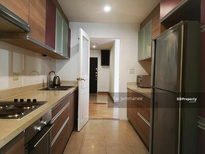 For Sale - Pet friendly, partial furnished 2bed 2 bath with balcony for sale in Phom Phong