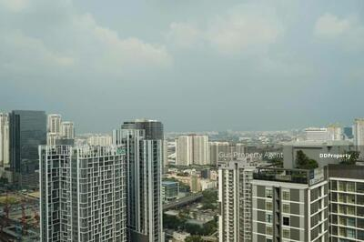 For Sale - Urgent Sale **Chewathai Residence Asoke**Fully Furnished 1 Bed 35 Sq. m @ 6. 66 MB.