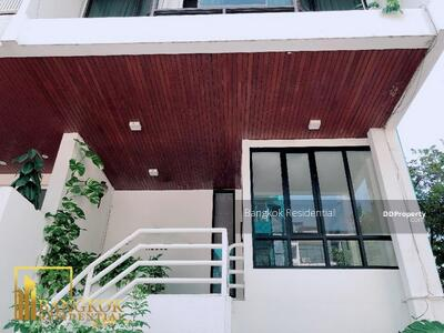 For Rent - 5 Bed Townhouse For Rent in Phrom Phong (BR8817TH)