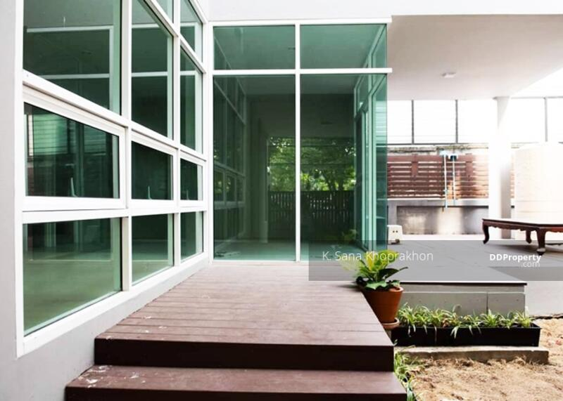 NICE DETACHED HOUSE IN THONG LO FOR RENT #88645629
