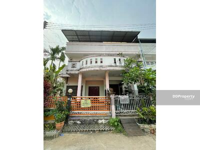 For Sale - CB0067 - Two storey Town House for sale with 2 bedrooms and  3 bathrooms. - Utility space in 26 sq. w. Near the city.