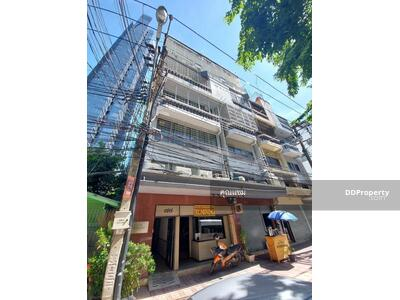 For Sale - URGENT SALE - Townhouse 35SQW 7Story in the heart of SILOM