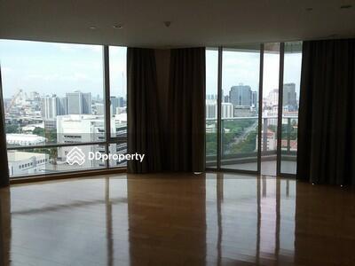 For Rent - Beautiful 4-BR Condo at Chamchuri Residence near BTS Sala Daeng   6 Mo. Avl. (ID 206172)