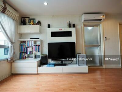 For Sale - Selling cheap Condo Lumpini Ville Ramkhamhaeng 44 corner room, Building B, pool view Better to buy and live than rent Invest and profit since buying Yild 5%, lowest price in the project near Ramkhamhaeng MRT