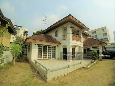For Rent - House for rent in Bangna area behind Central Bangna
