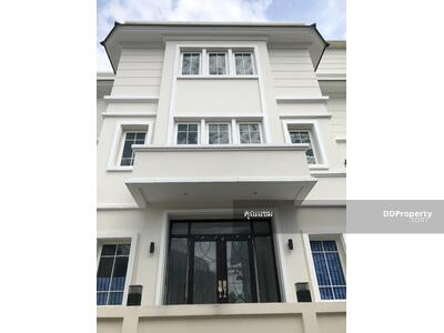 For Sale - Sell 3-story Detached House 5beds 6baths Arisamphand 8 PHYATHAI