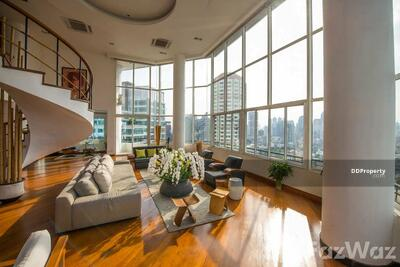 For Sale - 5 Bedroom Penthouse for sale at Moon Tower U163586