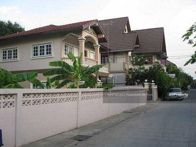 For Sale - Notify the code KRE-W7742 Single house Burapa Villa Village 12 separate 15, 3 bedrooms, 2 bathrooms, 90. 5 square wah, 2 floors, sold 4, 950, 000 baht **** If not answered, please add Line 0962215326 Khun On****