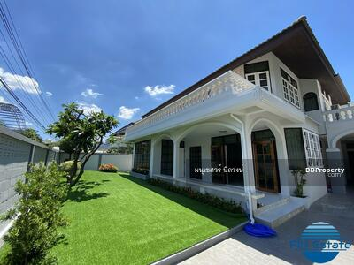 For Rent - [Good Choice for RENT] Fully decorated house - Napalai Sukumvit 70/3 - with garden and 3 car park