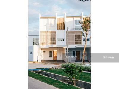 For Sale - AGNPT61 Beautiful townhome Modern Japanese style for sale
