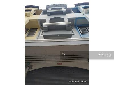 For Sale - O0039  ขาย Townhome 3. 5 ชั้น หมู่บ้านร่มเย็น  ซอยเพชรเกษม 63 (วัดม่วง) ขนาด 18 ตรว. พื้นที่ใช้สอย 226 ตรม. ปรับปรุงใหม่ทั้งหลัง โล่ง โปร่ง ให้ความรู้สึกเหมือนอยู่บ้านเดี่ยว