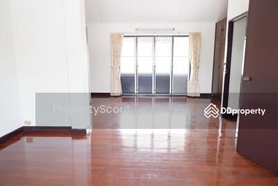For Sale - Roomy 3-BR House near BTS Phra Khanong (ID 535029)